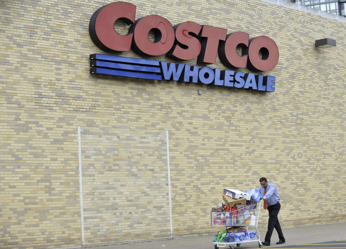Devant un magasin Costco, en Virginie, Etats-Unis, en 2011.