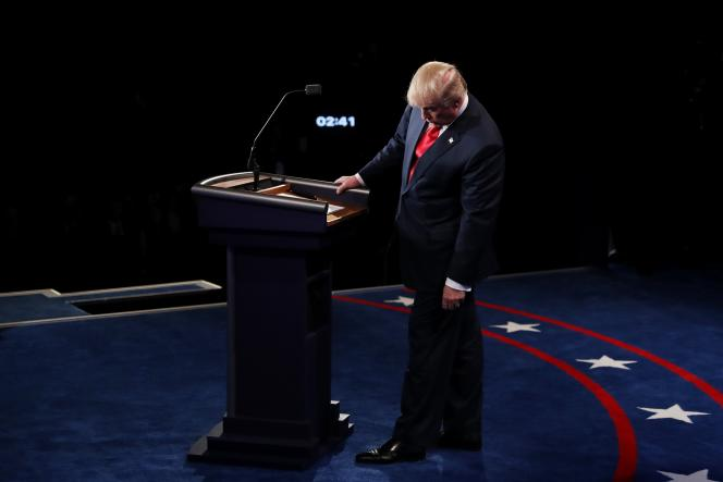 Le candidat républicain, Donald Trump, lors du dernier débat l'opposant à Hillary Clinton, à Las Vegas (Nevada) le 19 octobre.