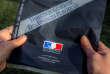 Enveloppe contenant la déclaration d'impôts envoyée aux contribuables par le ministère de l'économie et des finances, le 10 avril 2014 à Lille.