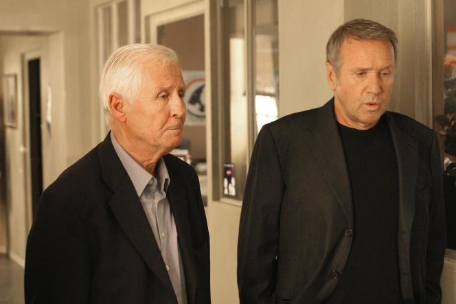 Clément Michu et Yves Rénier dans un épisode du« Commissaire Moulin».