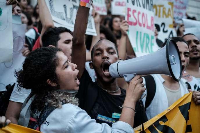 Manifestation contre le projet d'amendement constitutionnel PEC 241, à Rio de Janeiro, le 17 octobre