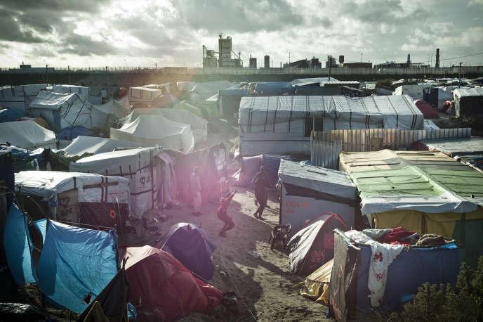Dans la partie nord de la «jungle» de Calais, lundi 17 octobre.