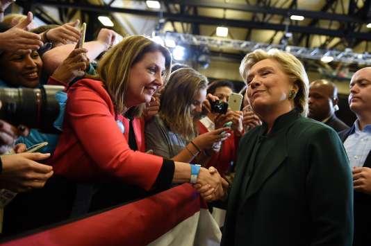 La candidate démocrate était en campagne dans l'Ohio vendredi 21 octobre.