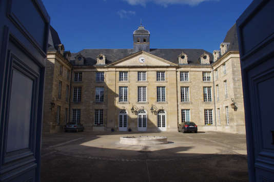 Université de Poitiers.