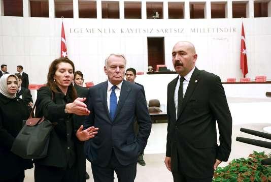 Jean-Marc Ayrault, le 24 octobre au Parlement turc, à Ankara.