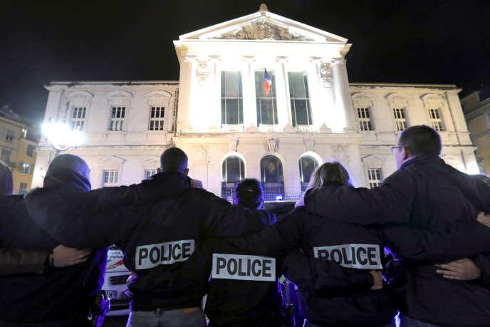Manifestation de policiers à Nice le 22 octobre 2016.