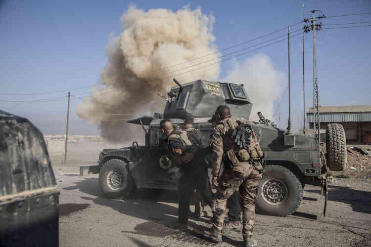 23 octobre. Le major Salam, au commandement d'Isof 1 et 2. Ces unités doivent déminer la route qui sera empruntée pour attaquer en direction de Mossoul.