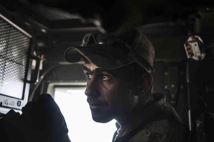 22 octobre. Le mitrailleur du 2e régiment de la Division d'or.
