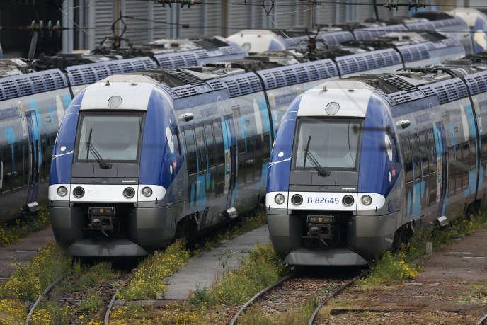 Des trains TER à Sotteville-lès-Rouen (Seine-Maritime), le 22 octobre 2015.
