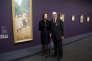 Marlene etSpencer Hays devant leur collection au Musée d'Orsay à Paris, le 15 avril 2013.