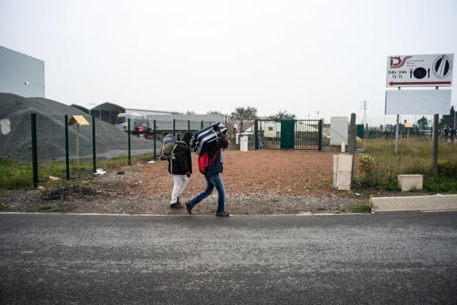 Lundi 24 octobre, premier jour de l'opération de démantèlement de la « jungle» de Calais.