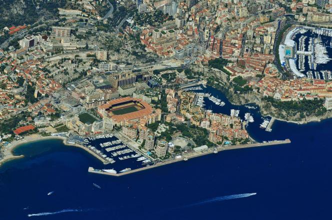 Aujourd'hui, 88% de la façade littoralede la Principautéont été gagnés sur la Méditerranée.