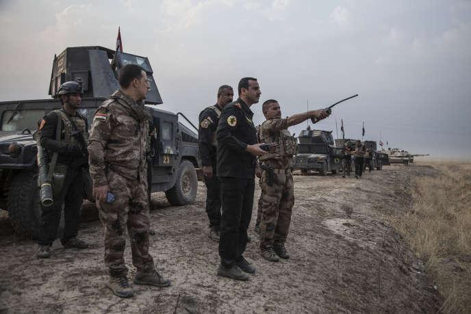 Au Nord-Est, les peshmergas kurdes sont également proches de la ville tandis que sur le front sud, les forces fédérales sont encore à 30kilomètres de la ville.