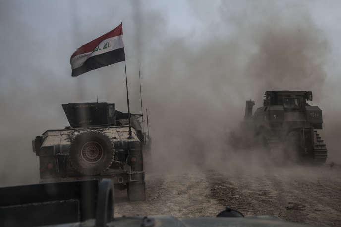 Les forces antiterroristes irakiennes en route vers Mossoul, le 24 octobre.