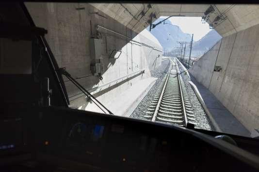 Le nouveau tunnel ferroviaire du Saint-Gothard, en Suisse, est équipé par Thales.