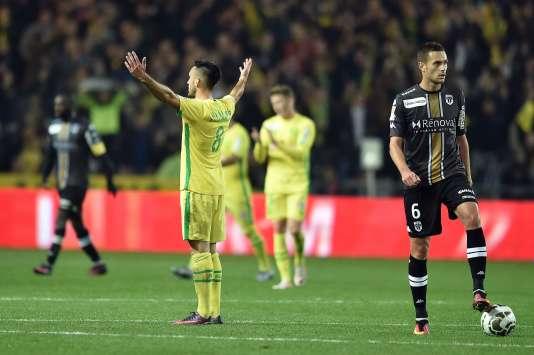 Adrien Thomasson (Nantes) célèbre la victoire de son équipe lors des 16e de finale de la Coupe de la Ligue face à Angers, le 25 octobre 2016.