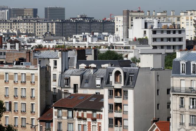 « Les charges d'ascenseur sont réparties non au prorata des tantièmes des copropriétaires, mais selon l'utilité : plus vous vivez en étage élevé, plus elles sont lourdes» (Photo: vue sur les toits de Paris).