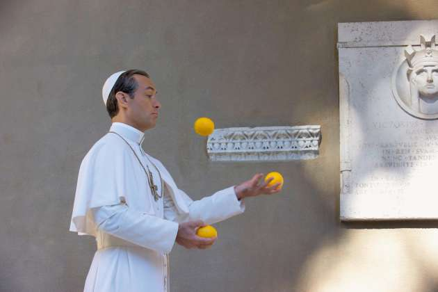 Jude Law incarne le pape dans « The Young Pope », de Paolo Sorrentino.