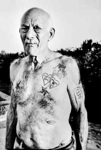 Comme d'autres Apuliens, Renato, ancien détenu rentréau pays, reprocheauxautorités italiennes d'avoir pris des mesures qui auraient aggravéle fléau.