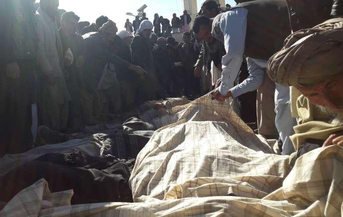 Au nord de Firoz Koh, dans la province afghane de Ghor, une quarantaine de corps ont été retrouvés sans vie mercredi 26 octobre.