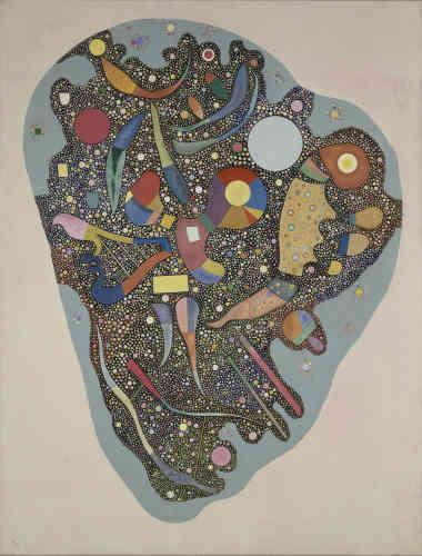 «On a souvent comparé l'œuvre parisienne de Kandinsky à un renouveau. Eclosion, germination : c'est à une renaissance que nous convie l'artiste. Immense cellule enserrant quantité de perles multicolores et d'objets de fantaisie, cette œuvre rappelle l'intérêt que nourrissait Kandinsky pour les sciences comme pour ses origines russes.»