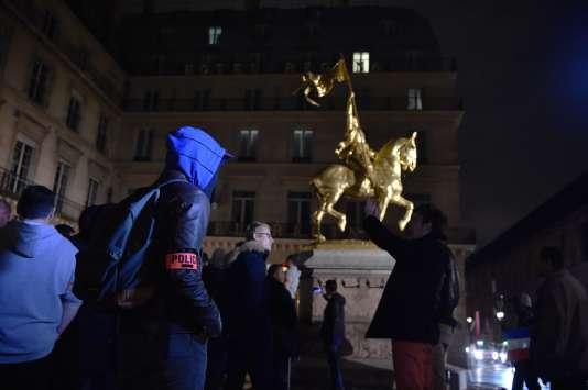 Manifestation de policiers, à Paris, le 24 octobre.