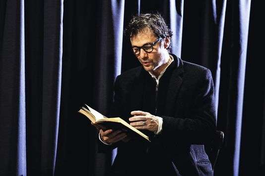 Le comédien Jérôme Kircher lit des extraits de Stefan Zweig.