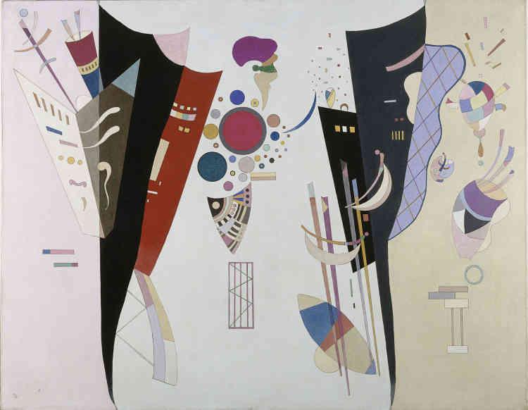 """«""""Accord réciproque"""" est une des dernières toiles de Kandinsky exposées à la galerie Jeanne Bucher en 1942. Par ses harmonies plus retenues, ses tonalités plus froides, elle contraste avec les compositions célestes comme """"Bleu de ciel"""", peinte quelques années plus tôt. Avec ce duel énigmatique, Kandinsky semble exprimer autant les difficultés de l'exil, l'accueil distant que lui fit la scène parisienne, que sa lutte avec l'âge et la maladie.»"""