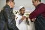 Après l'office du vendredi, l'Imam Abdallah Dliouah de la grande mosquée de Valence recoit ses fidèles pour discuter.