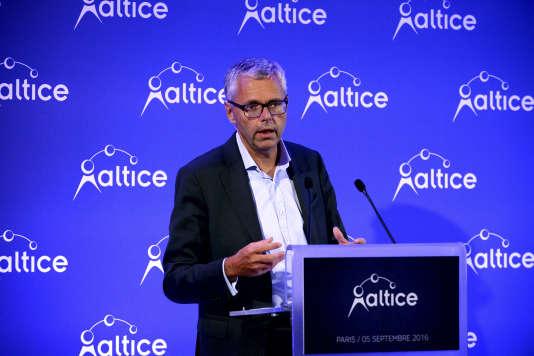 Michel Combes, le directeur général d'Altice, lors d'une conférence de presse, le 5 septembre.