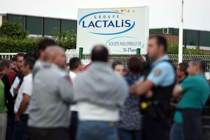 Manifestation d'agriculteurs contre Lactalis en août.
