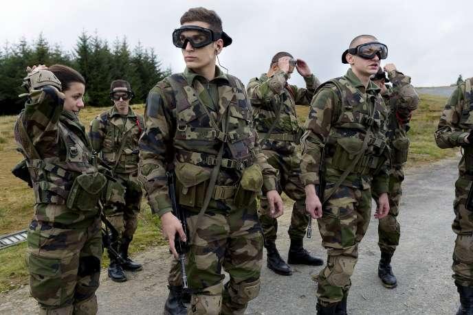 Des membres de la réserve opérationnelle du camp deLa Courtine, le 25octobre.