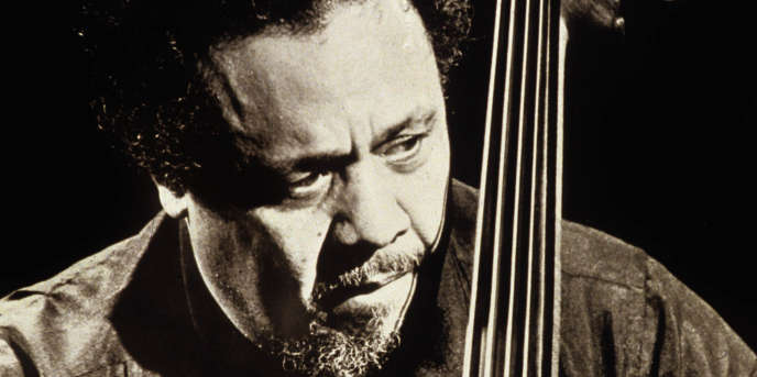 Charles Mingus (1922-1979) contrebassiste de jazz en juillet 1979 --- Charles Mingus (1922-1979) jazz double bass player in july 1979
