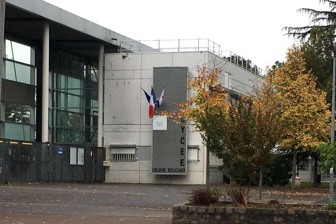 L'entrée du lycée Hélène Boucher à Tremblay en France.