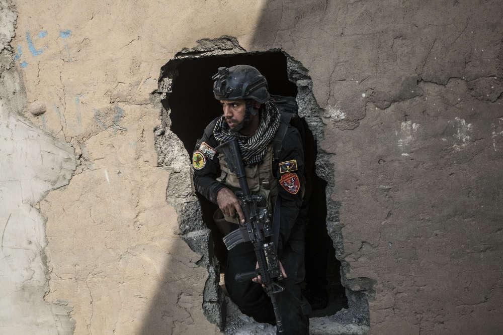 Les fantassins du « califat » se sont évaporés avec une partie de leur arsenal dans les tunnels qu'ils ont creusés entre Mossoul et Bartella, à une dizaine de kilomètres à l'est. Ils ont eu tout le temps, depuis la prise de la ville en juin 2014, de construire ce réseau plongeant à sept mètres de profondeur sur trois de large.