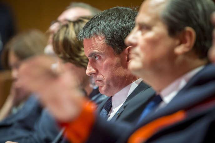 Manuel Valls et le premier secrétaire du Parti socialiste Jean-Christophe Cambadelis à Tours le samedi 22 octobre 2016.