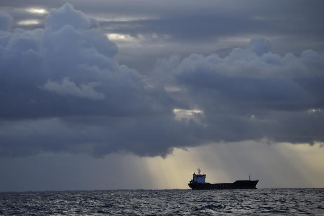 Un tanker au large des côtes françaises, en octobre 2016.
