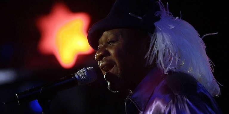 Le roi de la rumba congolaise et de la «world music» Papa Wemba en concert en 2006.
