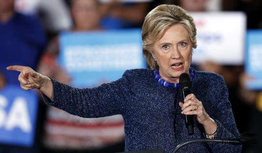 Hillary Clinton, lors de son meeting de campagne à Des Moines (Iowa) le 28 octobre.