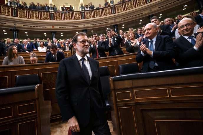 Après avoir été reconduit au poste de premier ministre, Mariano Rajoy a annoncé son gouvernement, jeudi 3 novembre.