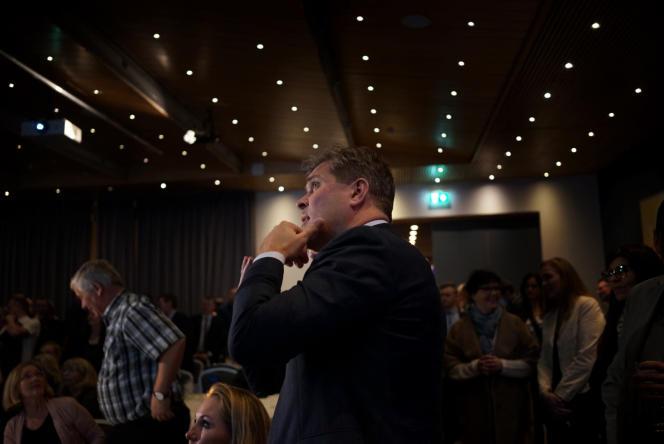 « Les politiciens impliqués n'ont été soumis à aucune enquête fiscale. En vérité l'administration paraît absolument sans défense face aux politiciens corrompus, car ceux-ci ont veillé à nommer des hommes à eux à tous les postes clés» (Photo: Bjarni Benediktsson).