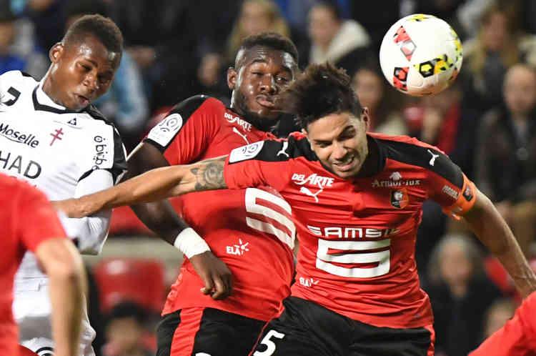 Renness'est emparé de la 5e place à la faveur d'un succès sur Metz, qui a subi une quatrième défaite.