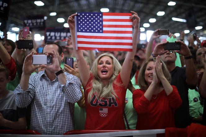 Des supporteurs de Donald Trump assistent à son meeting, à Golden, dans l'Etat du Colorado, le 29 octobre.
