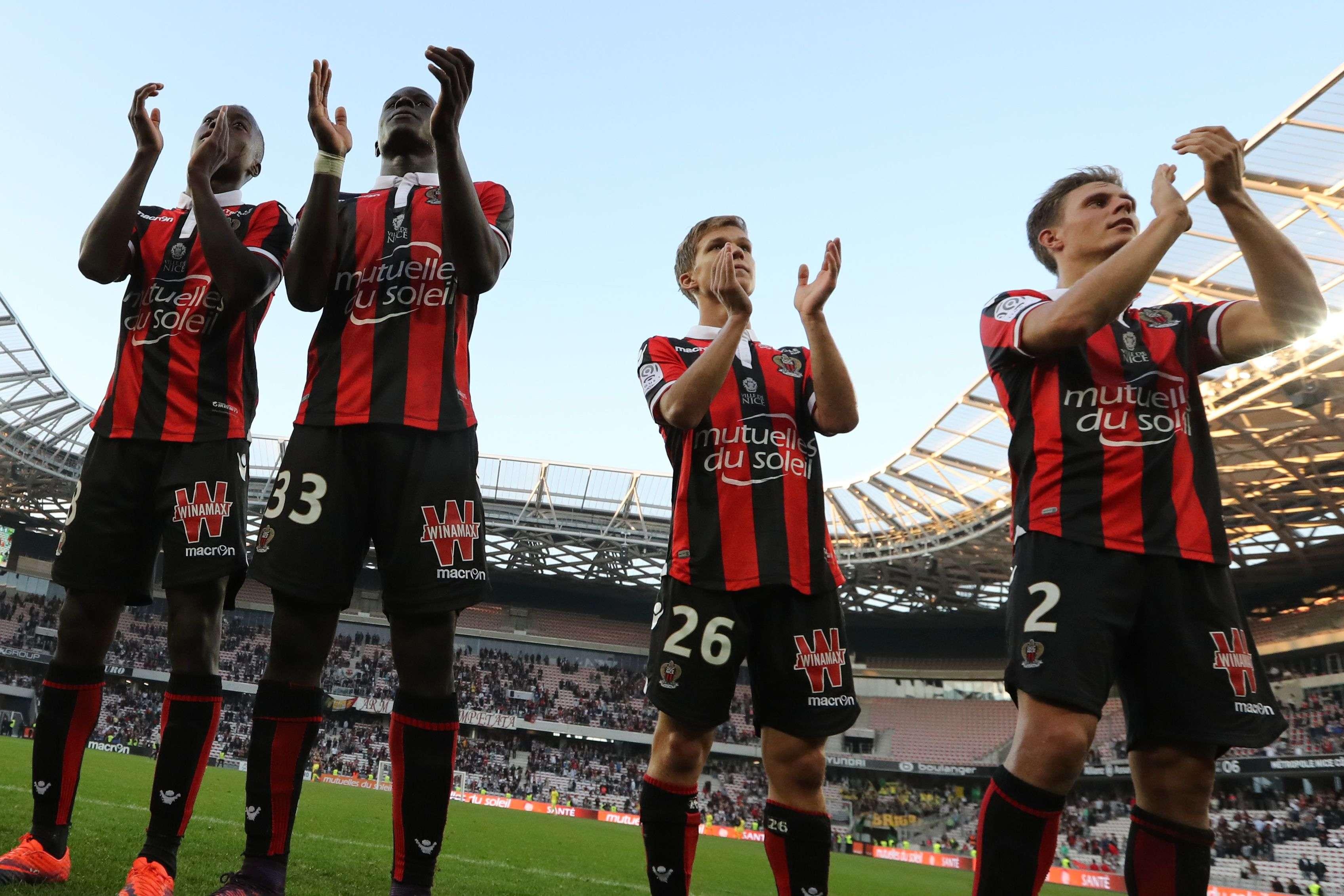 L'OGC Nice est restée la seule équipe invaincue de Ligue 1 et porté son avance à 6 points en tête du classement après sa victoire 4 à 1 contre le FC Nantes.