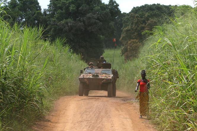 Patrouille des militaires français de l'opération « Sangaris » à Bangui, en septembre 2015.
