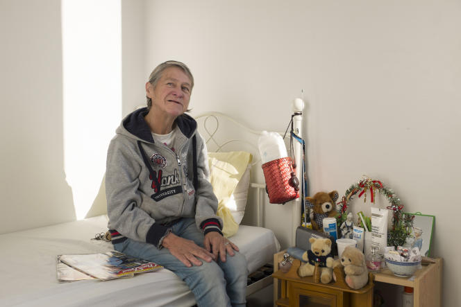 A 62 ans, cette ancienne détenue réside au centre d'hébergement d'urgence du SAMU de Montrouge (Hauts-de-Seine).