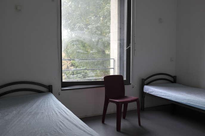 Chambre reservée aux urgences de nuit, au CHU du Samu social de Montrouge (Hauts-de-Seine).