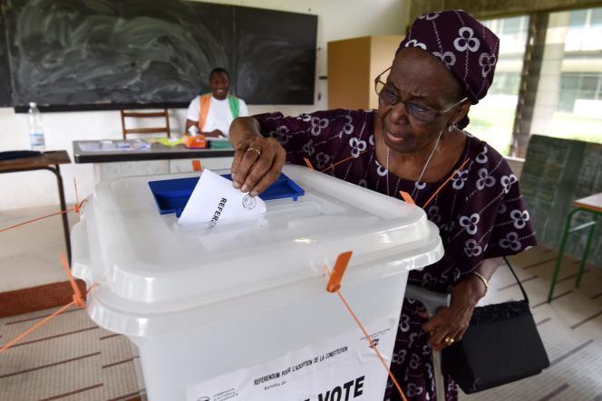 Près de 6,3 millions d'électeurs étaient appelés aux urnes, hier, afin de se prononcer sur ce texte que le président, Alassane Ouattara, a porté à bras-le-corps en espérant tourner définitivement la page des troubles politiques ouverte en 2002.