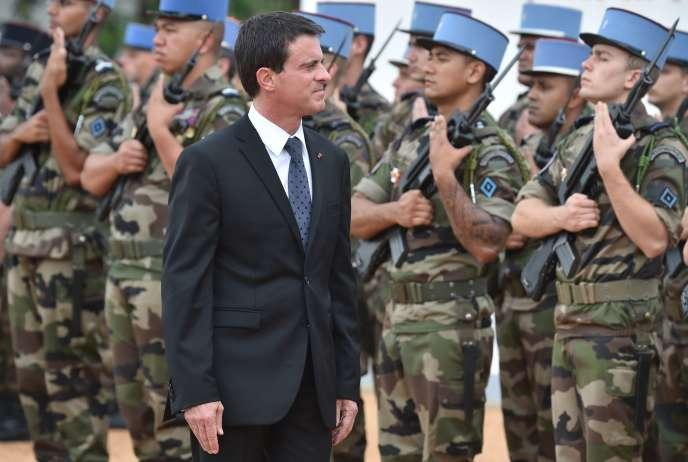 Manuel Valls, à Abidjan (Côté d'Ivoire), le 30 octobre 2016.