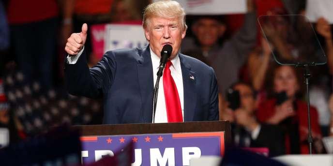 Le candidat républicain Donald Trump, le 31 octobre à Warren (Michigan).
